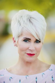 Gray Lace Frontal Wigs black and white striped hair – Fashion Wigs Medium Thin Hair, Short Thin Hair, Short Hair Cuts, Hair Styles 2016, Curly Hair Styles, Natural Hair Styles, Layered Bob Hairstyles, Hairstyles Over 50, Hairstyles Men