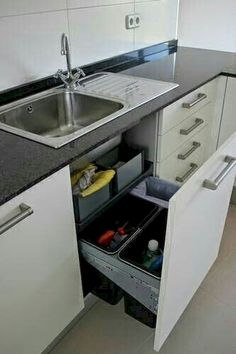 Clever Kitchen Storage Ideas And Trends For Minimize Your Kitchen 15 - Crunchhome Clever Kitchen Storage, Kitchen Storage Solutions, Kitchen Cabinet Storage, Storage Cabinets, Kitchen Organization, Kitchen Cabinets, Kitchen Drawers, Organization Ideas, Cabinet Space