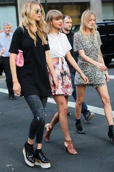 Gigi Hadid Photos - Taylor Swift and Gigi Hadid Leave Her NYC Apartment - Zimbio