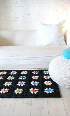 Crochet rugGranny Square Black por lacasadecoto en Etsy, €75.00