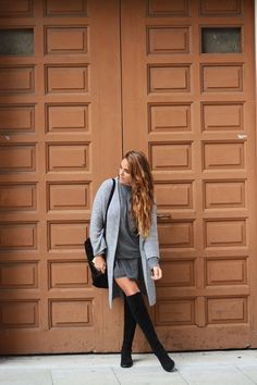 c8e6117b26b Stella Wants To Die is wearing a grey midi cardigan and T-shirt from  Stradivarius