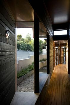 Strachan Group Architects: Owhanake Bay House in Waiheke Island, New Zealand Japanese Architecture, Residential Architecture, Contemporary Architecture, Interior Architecture, Interior And Exterior, Commercial Architecture, Exterior Design, Waiheke Island, New Zealand Houses