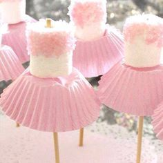 for Amzi's birthday? Marshmallow ballerinas Oh goodness - now, we've all seen cake pops, and we all know about what fun they can be for a party. so how about this for a theme, the ballerina party, complete with little marshmallow ballerinas! Babyshower Party, Tutu Party Theme, Girl Babyshower Themes, First Birthdays, Marshmallow Pops, Pink Marshmallows, Marshmallow Skewers, Birthday Ideas, 4th Birthday