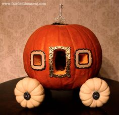 Halloween: How to make a Pumpkin Carriage for the Princess in the house.