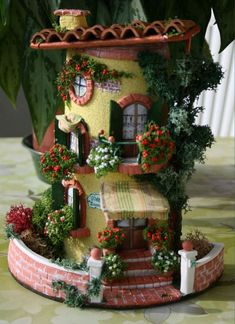 Silvia Solchaga's media content and analytics Polymer Clay Fairy, Polymer Clay Crafts, Diy Clay, Clay Fairy House, Fairy Garden Houses, Clay Houses, Ceramic Houses, Miniature Rooms, Miniature Houses
