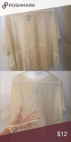 Super Cute beach/pool cover up. Barely worn, great condition, and perfect for any water occasion! Billabong Swim Coverups