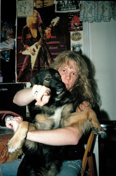 James in the kitchen at home with producer Mark Whitaker's dog, Clive. #metallica #metal #drums #guitar #jameshetfield #larsulrich #concert #kirkhammet