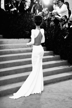 """Rihanna Photos - Image was converted to black and white) Rihanna attends the """"Charles James: Beyond Fashion"""" Costume Institute Gala at the Metropolitan Museum of Art on May 2014 in New York City. - Alternative Views at the Met Gala Looks Rihanna, Rihanna Style, Rihanna Fashion, Gala Dresses, Wedding Dresses, Estilo Rihanna, Look Formal, Glamour, Dress Me Up"""