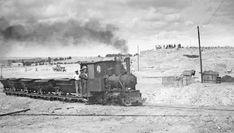 ABC. La Ciudad Universitaria, a 90 años vista San Bernardo, Twitter, Black, Trains, War, Blanco Y Negro, History, Black People