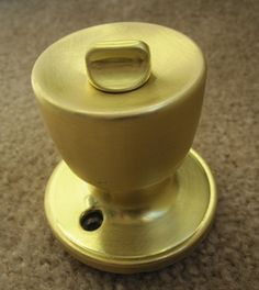 """I have started the task of spray painting all of the tacky brass door knobs and hinges in my house. I can handle the brassiness no more! I know everyone's question will be… """"Yah but how does it … Paint Door Knobs, Interior Door Knobs, Black Door Handles, Brass Handles, Cabinet Handles, Painting Hardware, Painting Doorknobs, Gold Door, Best Interior Paint"""