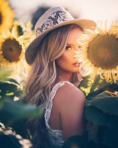 Sunflower Party, Look At You, Bucket Hat, Hats, Instagram, Women, Nice, Fashion, Moda