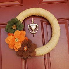 DIY fall wreath--burlap wreath with big burlap flowers --fall wreath diy Diy Fall Wreath, Autumn Wreaths, Fall Diy, Wreath Ideas, Summer Wreath, Fall Crafts, Holiday Crafts, Diy Crafts, Thanksgiving Crafts