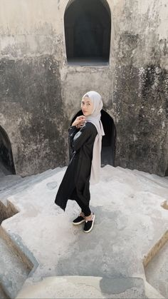Hijab Fashion, Style Fashion, Normcore, Ootd, Poses, Future, Pictures, Outfits, Figure Poses