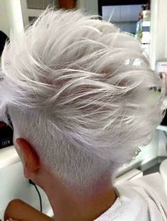 Gray Wigs African Americans Best Way To Use Henna On Grey Hair Silver Gray Hair Toner Grey Wig, Short Grey Hair, Natural Hair Styles, Short Hair Styles, Silver Grey Hair, Haircut Styles, Silky Hair, Great Hair, Hair Today