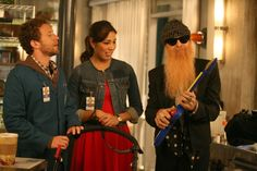 "Angela (Michaela Conlin), Hodgins (TJ Thyne) and Billy F. Gibbons (as himself) from ""The Twist in the Twister"" episode of BONES on FOX."