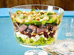 Schichtsalat mit Steakstreifen