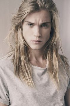 Emil Andersson as Aedion Ashryver