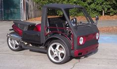 """Carrabusa - """"Just build a frame for the bike and mount some tiny cab on it"""" [xpost /r/WeirdWheels] Custom Trikes, Microcar, Reverse Trike, Trike Motorcycle, Car Mods, Weird Cars, Bicycle Design, Unique Cars, Kit Cars"""