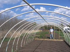 (DIY) How To Build An Inexpensive Hoop-Style Greenhouse - http://SurvivalistDaily.com/how-to-build-an-inexpensive-hoop-style-greenhouse/