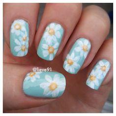 Daisies today 😊 #nailartwow #nails #notd #new #nofilter #nailart #nailswag #nailideas #nailideas #nailsdone #nailstyle #nailaddict #naildesign #nailpolish #naistagram #nailartclub #nailseveryday #nailsoftheday #photooftheday #instaart #instacute #instadaily #instaphoto #instanails #instamanicure #instanailart #art #flower #daisy #daisies #manicure