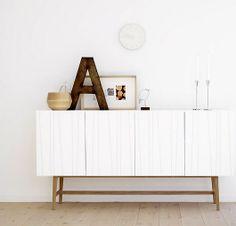 A beautiful cabinet! sfgirlbybay / bohemian modern style from a san francisco girl Inspiration Design, Interior Inspiration, Style At Home, Interior Styling, Interior Decorating, Decorating Ideas, White Sideboard, White Buffet, Sideboard Ideas