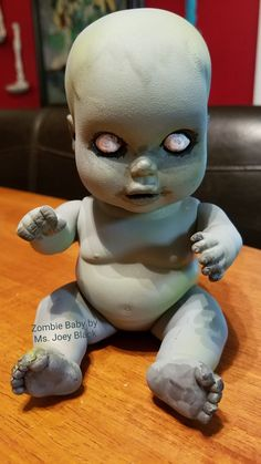 Zombie baby painted by Ms. Diy Zombie Dolls, Creepy Doll Halloween, Voodoo Halloween, Creepy Halloween Decorations, Halloween Kids, Halloween Crafts, Scary Baby Dolls, Creepy Dolls, Haunted Dolls