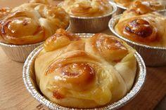 ハムとチーズのお惣菜パン Ham And Cheese, Bread Recipes, Side Dishes, Muffin, Grandkids, Cooking, Breakfast, Breads, Food
