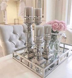 The Best 2019 Interior Design Trends - Interior Design Ideas Glam Living Room, Living Room Decor Cozy, Bedroom Decor, Style Deco, Decorating Coffee Tables, Tray Decor, Dining Room Table, Home Decor Accessories, Living Room Designs