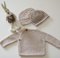 Autumn/Winter Trends 2015: Knitting - 100% Cashmere Coeur and two baby beanies baby knitting pattern by schneckendesigns - LoveKnitting blog