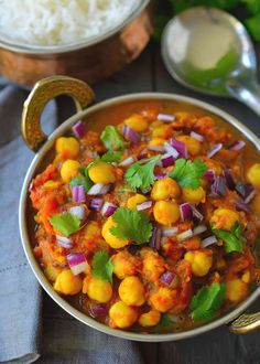 Garbanzos al Curry (Chana Masala) Vegan Recipes Plant Based, Vegan Lunch Recipes, Cooking Recipes, Healthy Recipes, Cooking Beef, Vegan Dinners, Vegetarian Food, Dinner Recipes, Vegan Chickpea Curry