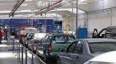 Comform modificarilor din Legea nr. 260/2017, legislatia privind Inspectiile Tehnice Periodice (ITP) pentru autovehicule s-a schimbat si incepand cu data de 1 ianuarie 2018 masinile mai vechi de 12 ani vor merge anual la inspectia ITP, in timp cele noi Vehicles, Car, Yearly, Automobile, Rolling Stock, Vehicle, Cars, Autos, Tools