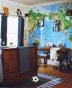Since using the world map mural in Ian's room, I've come across others using the same map. This is from a hard cover book entitled Pottery Barn Kids' Rooms. Pottery Barn Kids, Map Wallpaper, Wall Maps, Wall Mural, Nursery Bedding, Room Themes, Kids Bedroom, Kids Rooms, Bedroom Ideas