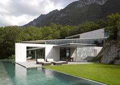 This house in Mexico by Japanese architect Tadao Ando boasts a swimming pool that projects from a hillside and concrete walls that frame views of the Sierra Las Mitras mountains. My favorite architect :) Architecture Résidentielle, Amazing Architecture, Contemporary Architecture, Sustainable Architecture, Tadao Ando, Exterior Design, Interior And Exterior, Casa Wabi, Beautiful Homes