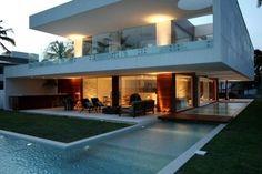 casa moderna com telhado embutido