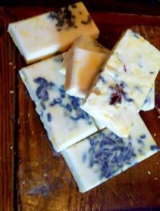 Jasmine Bamboo soap. All natural homemade soaps with recipes. Melt and pour simple recipe.