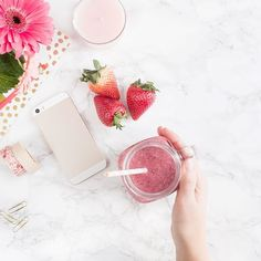 Monday Funday! I am making sure I put my self first this week and stay in my health routine ( which can be a battle to do so amirite?). What is your favorite healthy snack? My go to in smoothies! #allthefeels . . . . . . #womeninspired #womenCEO #entrepreneur #instagram #socialmedia #tips #wordpress #squarespace #creative #photography #womendesigner  #momlife #creative  #coffee #mompreneur #createcultivate #mamabird  #societygal #bosslady #prettybranding #amandamays #letscreate #momboss…