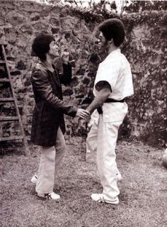 """Bruce Lee and Jim Kelly on the set of """"Enter the Dragon"""""""