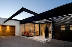 House Mosi by Nico van der Meulen Architects