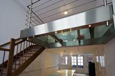 RVS entresol met glas in vide - Opdrachten in beeld   Paardekooper design & interieur