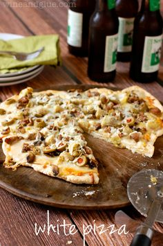 White Pizza | www.wineandglue.com | Delicious white sauce loaded up with amazing toppings and ready in 30 minutes! @Lisa (Wine & Glue)