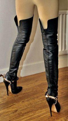 Kiss my sexy bootz Mark Shavick! Leather High Heel Boots, Thigh High Boots Heels, Stiletto Boots, Hot High Heels, Ankle Boots, Talons Sexy, Sexy Stiefel, Botas Sexy, Louboutin