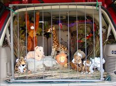The zoo. | 36 Trunk-Or-Treat Themes That Really Nailed It