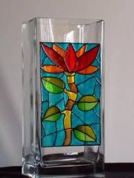 Resultado de imagen para falso vitro Stained Glass Birds, Faux Stained Glass, Stained Glass Patterns, Decorated Wine Glasses, Painted Wine Glasses, Design Vase, Glass Design, Wedding Shot Glasses, Glass Painting Designs