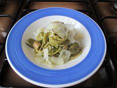 JHS /  Spaghetti ai funghi e pesto di basilico alla genovese Gino D'Aquino