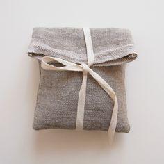 la casita fabric bag - designed as packaging, but easy to make for storage, travelling . : la casita fabric bag - designed as packaging, but easy to make for storage, travelling . Jewelry Packaging, Gift Packaging, Packaging Design, Packaging Ideas, Wrapping Gift, Wrapping Ideas, Furoshiki, Fabric Gift Bags, Linen Bag