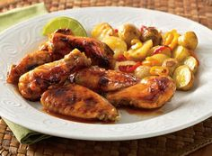 Chicken Wings done right! Thanks @Publix for sharing this awesome recipe for Caribbean style chicken wings & roasted potatoes using Pickapeppa!