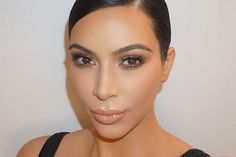 Here's Proof That Kim Kardashian Photoshops Her Instagram Photos