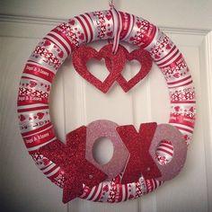 Easy to do with kids!  Valentine wreath