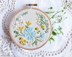 Christmas gifts for her, Inspirational artwork, Embroidery Kit - Happy Thoughts - Modern hand embroidery, Craft kit, Embroidery hoop art Brazilian Embroidery Stitches, Types Of Embroidery, Learn Embroidery, Embroidery For Beginners, Wooden Embroidery Hoops, Embroidery Hoop Art, Hand Embroidery Patterns, Embroidery Needles, Flower Embroidery