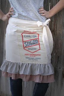 Love this apron, must find sugar bag.
